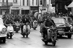 Mods v Rockers! 1964 beach battles that rocked Britain - and terrified bank holiday tourists - Mirror Online Mod Scooter, Lambretta Scooter, 60s Mod, Mirrors Online, Seaside Towns, Youth Culture, Vintage Motorcycles, Vintage Cars, Vintage Vespa