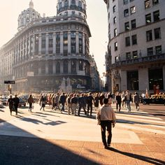 Florida y Diagonal Norte #BuenosAires #Argentina #CityCenter #Photography #F4F #turistaenbuenosaires #tourism #Arquitectura #Architecture #Work #ArquiViajesBuenosAires