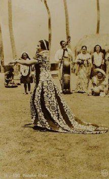 Hula dancer, 1890 http://www.hawaiiactive.com/category/oahu-cat-luau.html