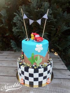 Fondant, Birthday Cake, Food, Pastries, Birthday Cakes, Essen, Meals, Gum Paste, Yemek