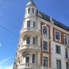 Baldersgate/Frognerveien, Oslo #baldersgate #frognerveien #frogner #leilighet #balcony #jugend #eiendom #bolig #realestate #arkitektur #architecture #oslo #norway