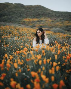 Gorgeous Flower Portrait Photography by Paarsa Hajari - Art ideas Art Photography Women, Spring Photography, People Photography, Outdoor Photography, Artistic Photography, Amazing Photography, Landscape Photography, Portrait Photography, Nature Photography