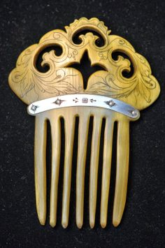 Contemporary Makers: Pressed Horn Ladies Hair Comb by Mitch Yates for Robin Yates