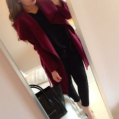 The colour of this coat looks great with the black underneath as it brings out…