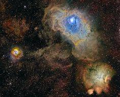 Tres nebulosas en banda estrecha: Las tres son guarderías estelares sobre 5.000 años luz, hacia la constelación de la rica nebulosa de Sagitario. Arriba y a la derecha del centro M8, a la izquierda M20, en la parte inferior derecha NGC 6559. Sobre unos cien años luz a través, M8 es también conocida como la Nebulosa de la Laguna. Imagen: NASA.