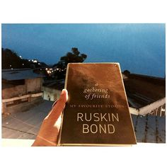 Currently Reading// . . #RuskinBond #CurrentlyReading #Bookstagram #AGatheringOfFriends #Postitfortheaesthetic #delightfullysimple #simplejoys #bookphotography