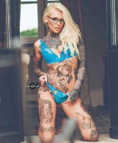 @ladylaurenbrock by @creative_instincts #womenwithink #womenwithtattoos #sleeve #sleevetattoo #thightattoo #chestpiece #chesttattoo #legtattoo #girlswithink #girlswithtattoos #modelswithink #modelswithtattoos #ink #inked #inkedlife #inkedwomen...