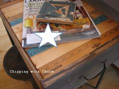 Chipping with Charm: Old Drawers to End Tables...http://chippingwithcharm.blogspot.com/