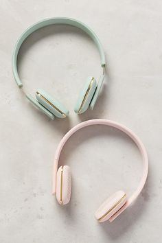 aHead Wireless Headphones With gleaming gold accents and top-notch features, these Bluetooth headphones are sure to be a favorite gift to find under the tree this holiday season. Cute Headphones, Wireless Headphones, Fashion Headphones, Headphones Tattoo, Accessoires Iphone, Pretty Pastel, Pastel Colors, Pastels, Tech Accessories