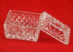 Joyero de Cristal - Chest Jewell Box http://r.ebay.com/fsx79n vía @eBay @Petits Encants BCN #PetitsEncants #PetitsEncantsBCN #ebay #Brocanter #Oddities #Antiques #retro #Vintage
