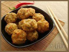 CHIFTELUTE DE PUI LA CUPTOR- Chiftelutele din piept de pui sunt delicioase si au avantajul ca sunt mai usoare. Facute la cuptor, nefiind prajite pot fi mancate si de catre copii mai mi