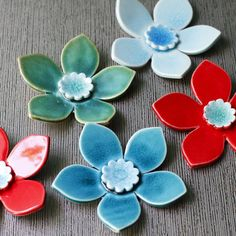 5 wall blooms via Etsy