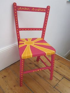 Diy kids chair paint 29 ideas for 2019 Painting Kids Furniture, Hand Painted Furniture, Funky Furniture, Chair Painting, Painted Kids Chairs, Refinished Chairs, Diy Chair, Furniture Restoration, Furniture Inspiration