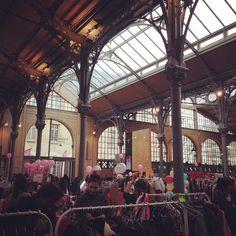 Fashion Flea Market Violette Sauvage au Carreau du Temple, Paris (75003), Ile-de-France