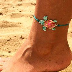 Beaded Bracelets Tutorial, Bead Loom Bracelets, Ankle Bracelets, Beaded Anklets, Beaded Jewelry, Handmade Jewelry, Seed Bead Patterns, Beading Patterns, Crystal Beads