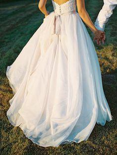 Cute wedding dress | Alexandra Elise Photography