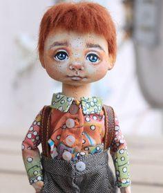 342 отметок «Нравится», 5 комментариев — Лиля Сколова (@skolovalilya) в Instagram: «Ну вот и одет,  обут рыжик.  Продан #кукла #кукларучнойработы #ручнаяработа #авторскаякукла…»