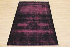 Colorierter Schwarz-Pinker Vintage Perserteppich handeknüpftes Unikat