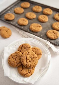 Old fashioned molasses cookies that are perfectly spices and stay soft and chewy when baked. You'll love this recipe! #baking #molasses #spiced #ginger #cookies Clean Eating Meal Plan, Clean Eating Recipes, Old Fashioned Molasses Cookies, Ginger Cookies, Sugar And Spice, Yummy Food, Yummy Recipes, Kid Friendly Meals, Holiday Baking