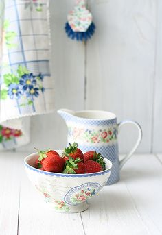 Easy strawberry ice cream