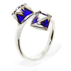 4247b2048 Strieborný prsteň s kryštálmi Swarovski Elements Cube Berrmuda Blue |  Divine Jewellery eshop