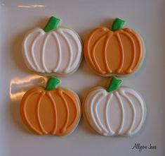 Like the frosting look Pumpkin Sugar Cookies Decorated, Halloween Sugar Cookies, Halloween Baking, Pumpkin Cookies, Pumpkin Birthday Parties, Pumpkin 1st Birthdays, Pumpkin First Birthday, Thanksgiving Cookies, Fall Cookies