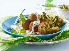 Unser beliebtes Rezept für Falafel mit Minz-Joghurt-Soße und mehr als 55.000 weitere kostenlose Rezepte auf LECKER.de.
