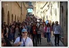 Flera turister i augusti