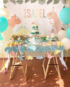 Dinosaur First Birthday Party Girl 41 Ideas Dinasour Party, Dinasour Birthday, Dinosaur First Birthday, Safari Birthday Party, Girl Birthday Themes, Baby Party, First Birthday Parties, Birthday Party Decorations, First Birthdays