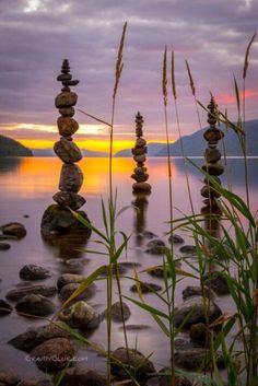 A fun image sharing community. Explore amazing art and photography and share your own visual inspiration! Amazing Nature, Amazing Art, Stone Balancing, Rock Sculpture, Stone Sculptures, Organic Art, Environmental Art, Stone Art, Rock Art