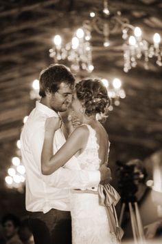 Bruidspaar van die Jaar 2011-wenners! Heléne en Marius Coetzer. | SARIE BRUID | Couple of the year 2011 #wedding #winner #outside #farm Photo: Splendid Productions