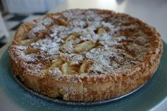 Apple cake with coconut - Äppelkaka med kokos – Madame Edith Pan Dulce, Fika, Apple Cake, Cake Recipes, Sweet Tooth, Bacon, Cheesecake, Food And Drink, Sweets