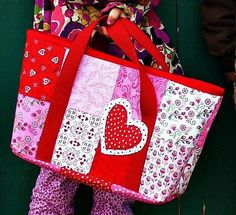 Be Mine Tote - Free PDF Sewing Pattern - Sew and Sell