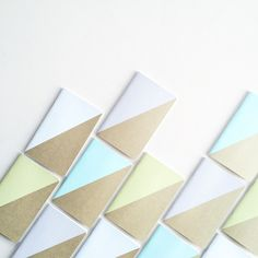 Goodmorning everyone! Just to let you know... these graphic pastel notebooks are new in The shop. #newin #graphic #pastel #notebooks #kraft #simple #design #everyday #notes #todo #goodmorning @Kado
