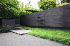 black walls, landscape architecture, green garden, ornamental grasses, black fenc, garden structures, landscape designs, front fence, wall gardens