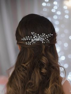 Missgrace Crystal Bridal Hair Comb Wedding Hair Accessories-Rhinestone Jewelry Headdress (Gold) * This is an Amazon Affiliate link. Read more reviews of the product by visiting the link on the image. Indian Bun Hairstyles, Wedding Hairstyles, Hair Comb Wedding, Bridal Hair, Bridal Beauty, Rhinestone Jewelry, Hair Tools, Wedding Hair Accessories, Hair Designs