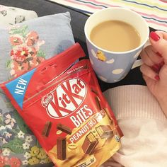 New fave right here! Apparently this is a share bag but I don't think it can be! #sundays #kitkatpeanutbutter #cuppa #newfaves #swoonworthy