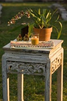 How to Refinish Furniture in a Shabby Chic French Style