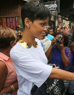 Gracious: Rihanna was happy to mingle as she whipped around the market in her diamond earrings Rihanna Pixie, Rihanna Short Hair, Rihanna Style, Short Hair Cuts, Short Hair Styles, Pixie Cuts, Short Pixie, Short Relaxed Hairstyles, Biolage Hair