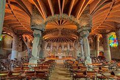 Leer más sobre Cripta de la Colonia Güell