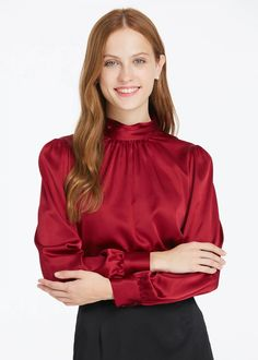 23 Satin Blouses To Copy Asap - Luxe Fashion New Trends - Fashion Ideas Satin Blouses, Red Blouses, Blouses For Women, Blouse Sexy, Blouse Outfit, Casual Outfits, Fashion Outfits, Fashion Trends, Retro Mode
