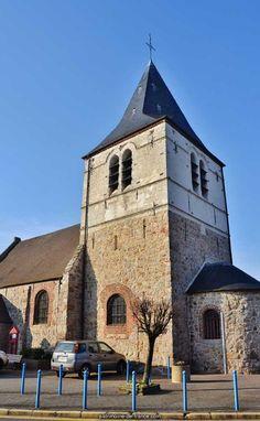 LABOURSE: 1) petite église intéressante, on en raison de sa valeur esthétique, mais de son âge reculé: c'est la plus ancienne qu'on trouve aujourd'hui entre Somme et Escaut. Elle comprenait d'abord un choeur, un transept, une nef et une tour centrale, le tout au X°s environ. Les croisillons ont disparu, le carré du transept reprit ses voutes au 1°s sans doute alors qu'on renouvelait son arcade O. et l'étage de la tour, celui-ci daté de 1557.
