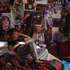 Room Ideas Bedroom, Bedroom Inspo, Dream Rooms, Dream Bedroom, Movie Bedroom, Punk Room, Grunge Bedroom, Messy Room, Indie Room