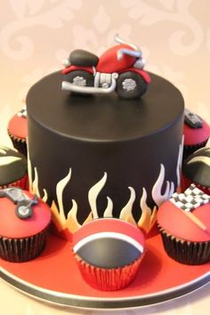 I like this idea with the cupcake around it since he loves cupcakes ;) more details can be added Motorcycle sports bike birthday cake Race / motorcycle birthday party Moto cupcake Fondant Cakes, Cupcake Cakes, Motorcycle Birthday Parties, Festa Hot Wheels, Motorcycle Cake, Milk Chocolate Ganache, Chocolate Cake, Bike Cakes, Dad Cake