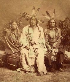 Note: Photographers Hamilton & Hoyt owned a studio in Sioux City, Iowa. They took photographs of the 1872 Sioux delegation, which was also portraited by Alexander Gardner when they were in Washington D. Native American Wisdom, Native American Photos, Native American Tribes, American Spirit, Native American History, Native Americans, African Americans, By Any Means Necessary, Indian People