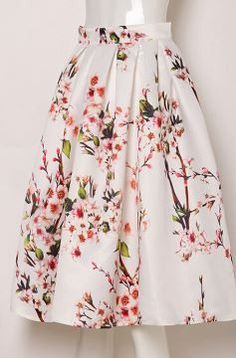 Retro vintage style floral print midi skirt. Approximate size guide in inches…