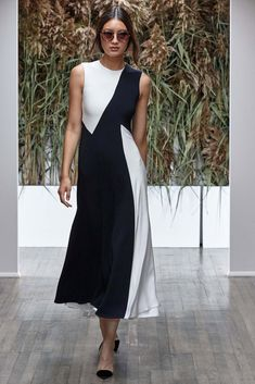 Kimora Lee Simmons Spring 2017 Ready-to-Wear Fashion Show Collection: See the complete Kimora Lee Simmons Spring 2017 Ready-to-Wear collection. Look 10 Fashion 2017, Fashion Show, Fashion Dresses, Fashion Tips, Fashion Design, Fashion Hacks, Spring Fashion, Fashion Ideas, Dress Skirt