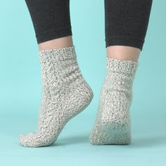 The essential cable socks in paintbox yarns socks free knitting pattern and tutorial Knitting Patterns Free, Free Knitting, Knitting Socks, Knitting Ideas, Socks And Heels, Knitting Supplies, Cascade Yarn, How To Start Knitting, Paintbox Yarn