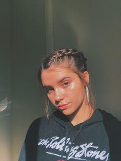 me volví fan de hacerme trenzitas Girl Photo Poses, Girl Photography Poses, Girl Pictures, Girl Photos, Wow Photo, Instagram Pose, Insta Photo Ideas, Aesthetic Hair, Hair Art