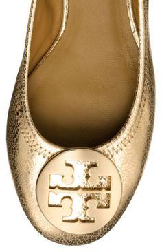 metallic ballet flats  http://rstyle.me/n/n924apdpe